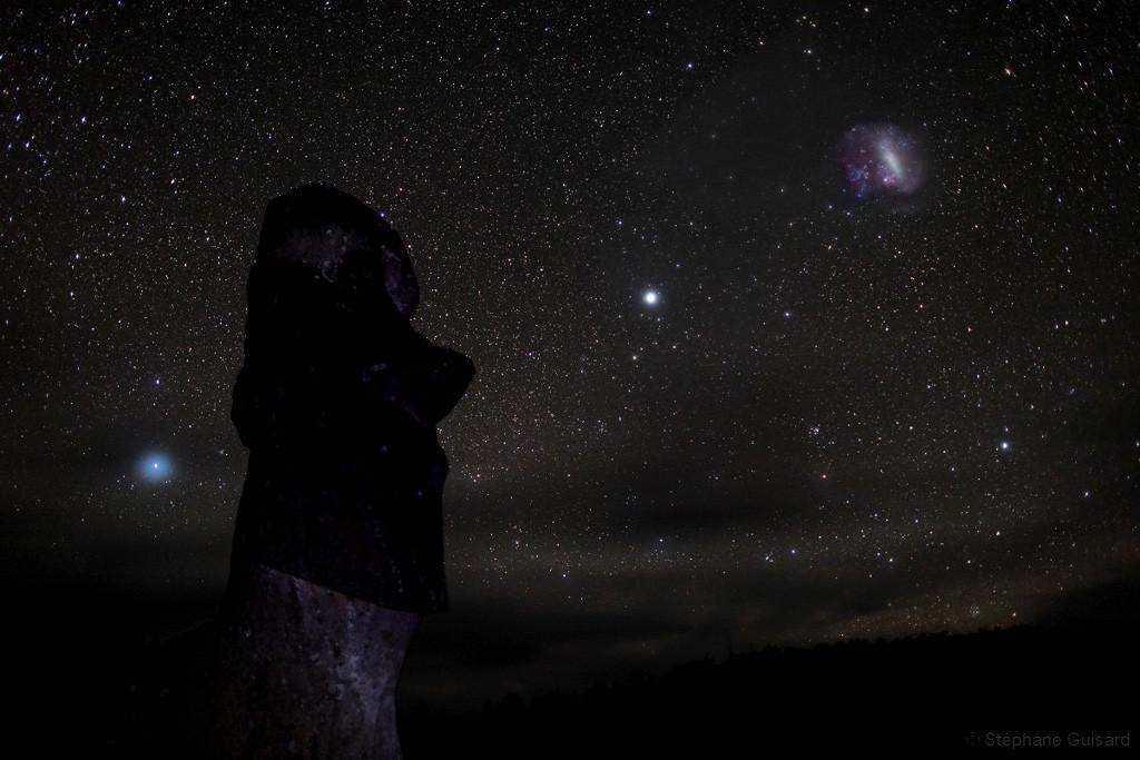 Wielki Obłok Magellana nad Wyspą Wielkanocną